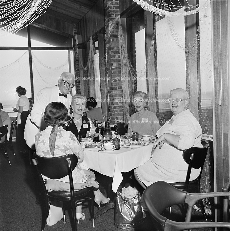 Y-620916-18-09. Oregon Restaurant Association first annual convention, Hotel Gearhart, Surfside Motel. September 16/17/18, 1962