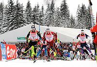 Skiskyting<br /> World Cup<br /> Hochfilzen Østerrike<br /> 07.12.2013<br /> Foto: Gepa/Digitalsport<br /> NORWAY ONLY<br /> <br /> IBU Weltcup, 4x7,5km Staffel der Herren. Bild zeigt das Feld mit Alexis Boeuf (FRA), Vetle Sjåstad Christiansen (NOR) und Lowell Bailey (USA).