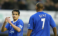 Photo: Chris Brunskill. Everton v Fulham. Barclays Premiership. 20/11/2004. Tim Cahill of Everton looks forlornly at his teammate Marcus Bent after missing an easy goalscoring chance.