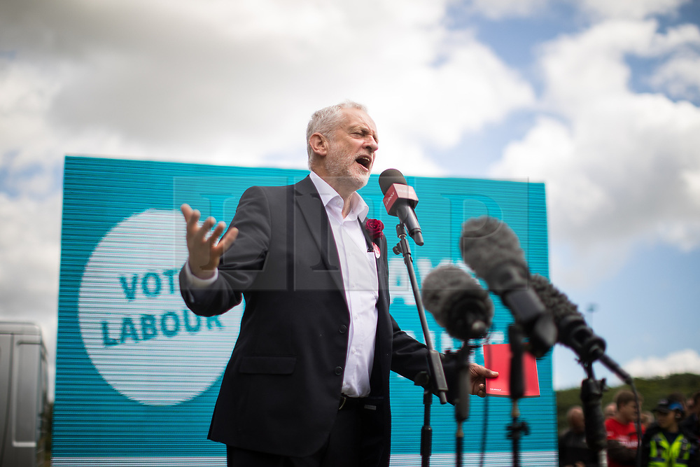 © Licensed to London News Pictures . 07/06/2017. Runcorn , UK. Labour Party leader Jeremy Corbyn holds a campaign rally in Runcorn, on the final day of the General Election campaign ahead of polls opening tomorrow (8th July 2017) . Photo credit: Joel Goodman/LNP