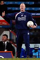 Photo: Daniel Hambury.<br />Crystal Palace v Preston North End. The FA Cup. 07/02/2006.<br />Palace's manager Iain Dowie can't belive his side are out of the FA Cup.