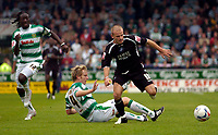 Photo: Alan Crowhurst.<br />Yeovil Town v Swansea. Coca Cola League 1. 08/10/2005. Swansea's Andy Robinson escapes his marker.