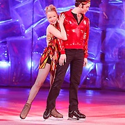 NLD/Hilversum/20130101 - 1e Liveshow Sterren dansen op het IJs 2013, Paul Turner en schaatspartner Scarlett Rouzet