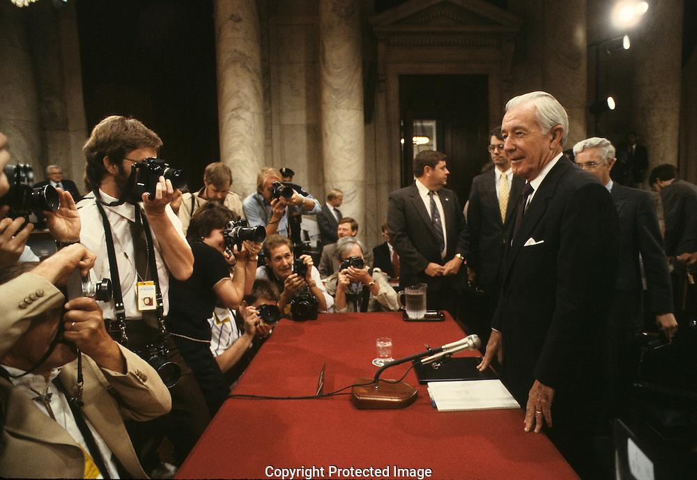 Sectretary of Treasury Don Regan at the Iran Contra hearings in August 1987..Photograph by Dennis Brack bb24