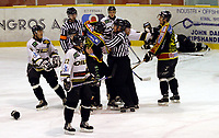 Ishockey, Stavanger Ishall, 06/12-03, Stavanger - Trondheim, <br />Slåsskampen som førte til flere utvisninger for Tronheim,<br />Foto: Sigbjørn Andreas Hofsmo, Digitalsport