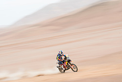 Matthias Walkner (AUT) of Red Bull KTM Factory Team races during stage 04 of Rally Dakar 2019 from Arequipa to o Tacna, Peru on January 10, 2019 // Marcelo Maragni/Red Bull Content Pool // AP-1Y39EMW5W1W11 // Usage for editorial use only // Please go to www.redbullcontentpool.com for further information. //