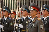 10 AUG 2003, TASCHKENT/USBEKISTAN:<br /> Ehrenformation des Usbekischen Militaers, waehrend dem Empfang von BM P eter S truck mit militaerischen Ehren, Verteigungsministerium von Usbekistan<br /> IMAGE: 20030810-01-045<br /> KEYWORDS: Streitkraefte, Streitkräfte,  Tashkent, Uzbekistan, Armee, Army,