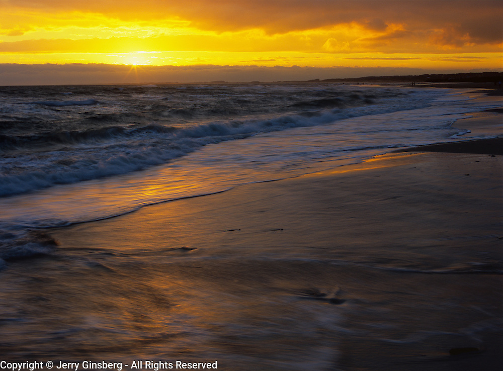 South America, Uruguay, Cabo Polonio at sunset