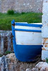 Barca in secca nel porto di Novaglie (LE)