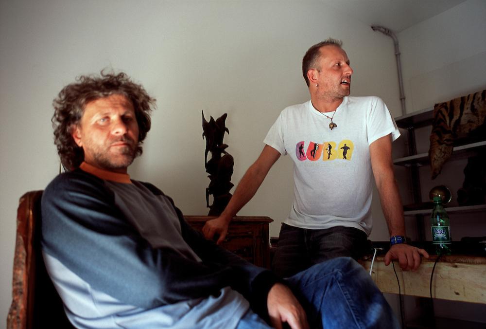 09 MAY 2001 - Molvena (VI) - Renzo Rosso, fondatore Diesel, con Wilbert Das, direttore creativo