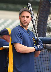 May 8, 2018 - Milwaukee, WI, U.S. - MILWAUKEE, WI - MAY 08: Milwaukee Brewers Third base Travis Shaw (21) takes batting practice before a MLB game between the Milwaukee Brewers and Cleveland Indians on May 8, 2018 at Miller Park in Milwaukee, WI. The Brewers defeated the Indians 3-2.(Photo by Nick Wosika/Icon Sportswire) (Credit Image: © Nick Wosika/Icon SMI via ZUMA Press)