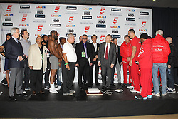 24.04.2015, Madison Square Garden, New York, USA, WBA, Wladimir Klitschko vs Bryant Jennings, Wiegen, im Bild l-r. Bryant Jennings und Wladimir Klitschko kommen zum wiegen // during weighing for IBF, WBO and WBA world heavyweight title boxing fight between Wladimir Klitschko of Ukraine and Bryant Jennings of the USA at the Madison Square Garden in New York, United Staates on 2015/04/24. EXPA Pictures © 2015, PhotoCredit: EXPA/ Eibner-Pressefoto/ Kolbert<br /> <br /> *****ATTENTION - OUT of GER*****