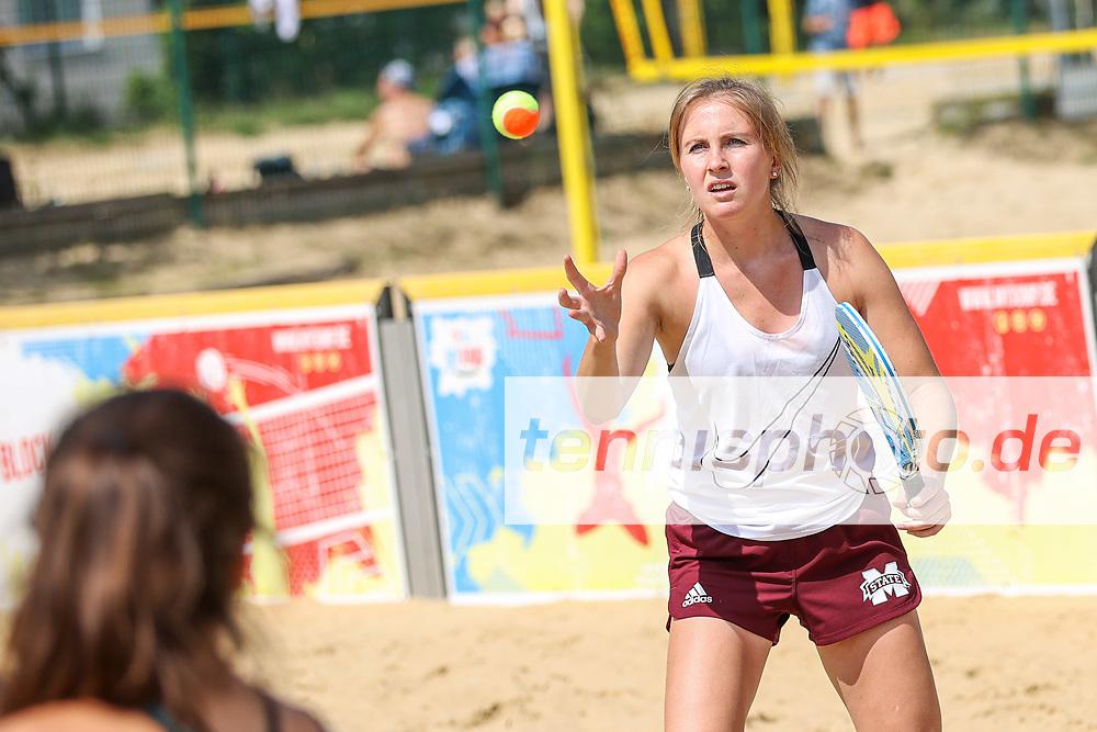 Janina Braun, Deutsche Team-Meisterschaften (DTM) Beach-Tennis 2020, Berlin, Beach-Mitte, 18.07.2020, Foto: Claudio Gärtner