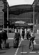 Berlin GERMANY, General view  GV. ,enterence to the Berlin Hauptbanhof - Berlin Main Station. Tuesday 16/06/2009, [Mandatory Credit. Peter Spurrier/Intersport Images] Street Photos