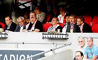 Fotball<br /> UEFA Europa League<br /> 2. kvalifiseringsrunde<br /> Ullevål Stadion 14.07.11<br /> Vålerenga - FC Mika <br /> Per Ravn Omdal , Pål Breen og Truls Håkonsen med ledere av FC Mika , Eier Mikhail Bagdasarov i midten<br /> Foto: Eirik Førde