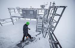 THEMENBILD - Hermann Scheer (Observatoriums Techniker) auf der Messterasse am Sonnblick Observatorium, aufgenommen am 20. November 2018, Rauris, Österreich // Hermann Scheer (observatory technician) on the measuring terrace at the Observatory Sonnblick on 2018/11/20, Rauris, Austria. EXPA Pictures © 2018, PhotoCredit: EXPA/ JFK