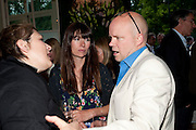 SARAH VINE; CAROLINE BONDY; TOBY YOUNG, Imogen Edwards-Jones - book launch party for ' Hospital Confidential' Mandarin Oriental Hyde Park, 66 Knightsbridge, London, 11 May 2011. <br />  <br /> -DO NOT ARCHIVE-© Copyright Photograph by Dafydd Jones. 248 Clapham Rd. London SW9 0PZ. Tel 0207 820 0771. www.dafjones.com.
