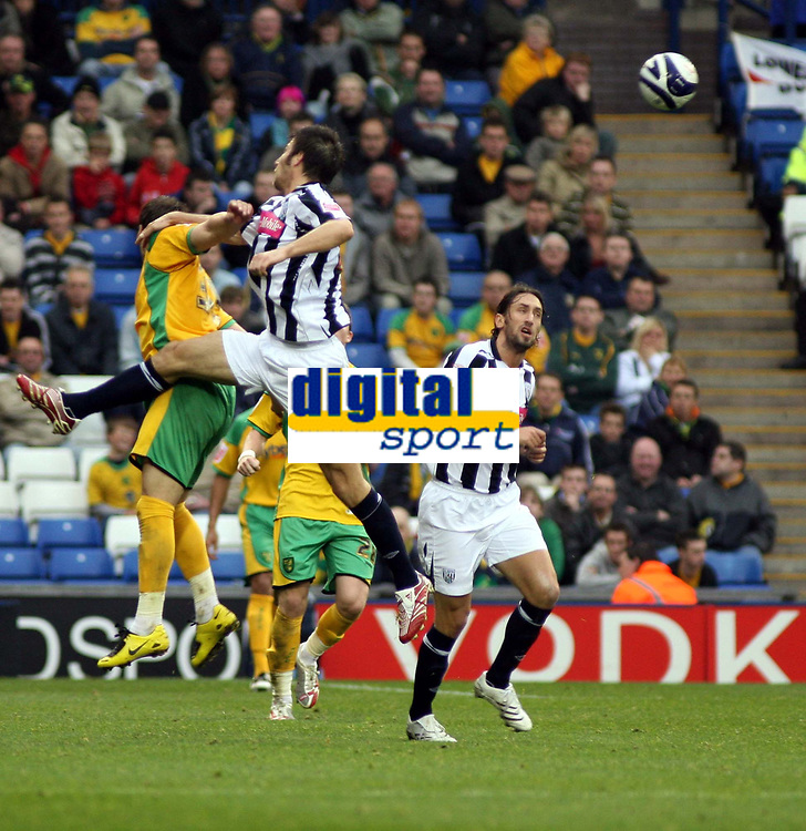 Photo: Mark Stephenson.<br /> West Bromwich Albion v Norwich City. Coca Cola Championship. 27/10/2007.West Brom's Bostjan Cesar wins the ball
