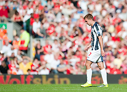 29.08.2010, Anfield, Liverpool, ENG, PL, Liverpool FC vs West Bromwich Albion?, im Bild West Bromwich Albion's James Morrison leaves the field after being shown the red card and sent off by referee Lee Probert during the Premiership match at Anfield, EXPA Pictures © 2010, PhotoCredit: EXPA/ Propaganda/ D. Rawcliffe *** ATTENTION *** UK OUT! / SPORTIDA PHOTO AGENCY
