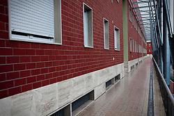 Potenza (PZ), 23-11-2010 ITALY - Il quartiere Bucaletto. Bucaletto è un quartiere popolare della periferia est di Potenza. Fu progettato all'indomani del terremoto dell'Irpinia del 23 novembre 1980, per risolvere i problemi delle famiglie sfollate a causa dei crolli di alcune abitazioni della città, difatti è caratterizzato dalla presenza di abitazioni singole, in prefabbricati..Nella Foto: I 34 alloggi concessi agli abitanti del quartiere dopo la demolizione delle strutture in legno.