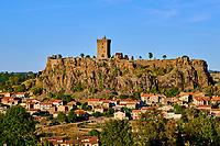 France, Haute-Loire (43), Polignac, Château de Polignac, forteresse du XIe siècle sur un plateau basaltique // France, Haute-Loire (43), Polignac, Chateau de Polignac, eleventh century fortress on a basalt plateau