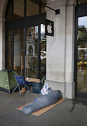 © Licensed to London News Pictures. 24/09/2015. London, UK.  iPhone fans are seen camped outside the Apple Store in Covent Garden a full 24 hours before the new iPhone 6S goes on sale. Photo credit: Peter Macdiarmid/LNP