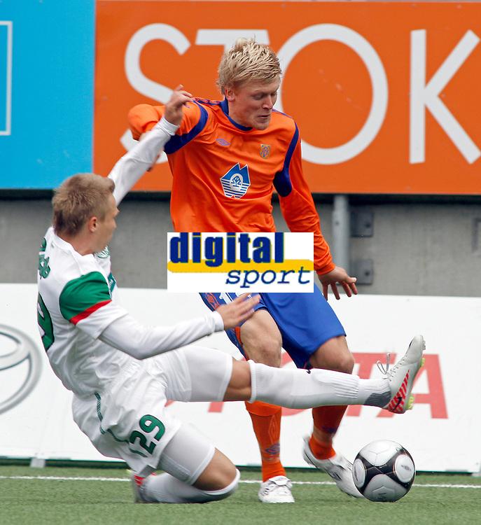 Fotball, <br /> 21.07.2011 , <br /> Europa league,<br /> Aalesund - Ferencvaros ,<br /> color line stadion ,  <br />                <br /> Jonathan parr - aalesund<br /> Fulop noel   - Ferencvaros<br /> Foto: Richard brevik , Digitalsport