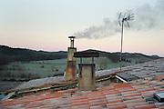 wood burning heating smoking chimney