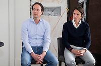 BADHOEVEDORP -  Steven Sedee  (l) (ING sportsponsoring) en  Norbert Chevalier (TIG Sports).  Van 20 t/m 22 mei zal op de International Golfcourse de ING Private Banking Golf Week voor het eerst gehouden worden.  COPYRIGHT KOEN SUYK