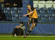Wycombe. Buck's ENGLAND, Causeway Stadium.<br /> Zurich Premiership 11-11-2001<br /> London Wasps v Newcastle Falcons<br /> David Walder converting Doddie Weirs try.  [Mandatory Credit;Peter SPURRIER/Intersport Image]