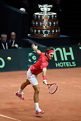 23.11.2014, Stade Pierre Mauroy, Lille, FRA, Davis Cup Finale, Frankreich vs Schweiz, im Bild Roger Federer (SUI) // during the Davis Cup Final between France and Switzerland at the Stade Pierre Mauroy in Lille, France on 2014/11/23. EXPA Pictures © 2014, PhotoCredit: EXPA/ Freshfocus/ Valeriano Di Domenico<br /> <br /> *****ATTENTION - for AUT, SLO, CRO, SRB, BIH, MAZ only*****