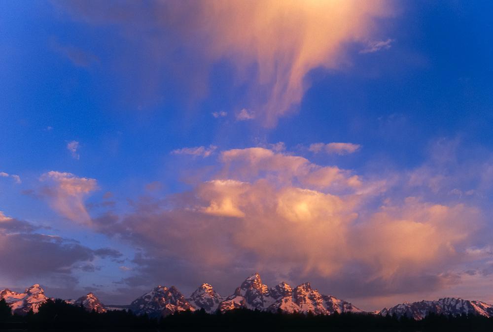 The Teton Range, morning light, autumn, Grand Teton National Park, Wyoming, USA