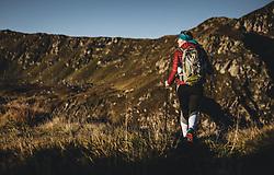 THEMENBILD - eine Frau auf einer Bergwiese bei einer Wanderung auf den Tristkogel, aufgenommen am 16. September 2018 in Saalbach Hinterglemm, Österreich // A woman on a mountain meadow during a hike on the Tristkogel, Saalbach Hinterglemm, Austria on 2018/09/16. EXPA Pictures © 2018, PhotoCredit: EXPA/ Stefanie Oberhauser