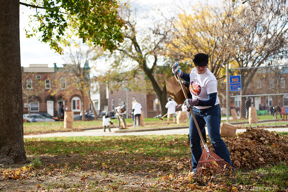 Love Your Park Fall Service Day at Mifflin Square<br /> November 14, 2015