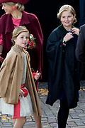 Koningsdag in Dordrecht / Kingsday in Dordrecht<br /> <br /> Op de foto / On the photo: Prinses Amalia en Prinses Alexia ///  Princess Amalia and Princes Alexia