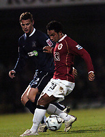 Photo: Olly Greenwood.<br />Southend United v Manchester United. Carling Cup. 07/11/2006. Manchester United's Kieran Richardson and Southend's Gary Hooper