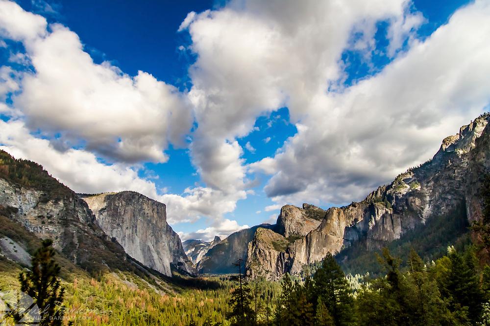 Yosemite Valley from Tunnel View overlook, Yosemite National Park, California