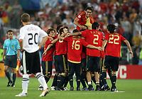 Fotball<br /> Euro 2008<br /> Finale<br /> Tyskland v Spania 0-1<br /> 29.06.2008<br /> Foto: Witters/Digitalsport<br /> NORWAY ONLY<br /> <br /> Enttaeuschung Lukas Podolski Deutschland, Jubel Spanien<br /> EURO 2008 Finale Deutschland - Spanien 0:1