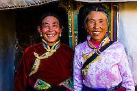 Tibetan pilgrims, Drak Yerpa Monastery, Dagze, Tibet (Xizang), China.