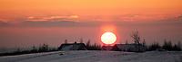 25.01.2014 Nowa Wies k/Suwalk N/z zachod slonca nad wsia fot Michal Kosc / AGENCJA WSCHOD