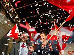 20.05.2016, Viktor-Adler-Markt, Wien, AUT, FPÖ, Wahlkampfabschluss anlässlich der Stichwahl der Präsidentschaftswahl 2016, im Bild v.l.n.r. FPÖ-Präsidentschaftskandidat Norbert Hofer und Klubobmann FPÖ Heinz-Christian Strache // f.l.t.r. Candidate for Presidential Elections Norbert Hofer and Leader of the parliamentary group FPOe Heinz Christian Strache during campaign final of the austrian freedom party according to the austrian presidential elections in Vienna, Austria on 2016/05/20, EXPA Pictures © 2016, PhotoCredit: EXPA/ Michael Gruber