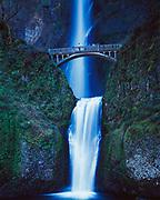 Multnomah Falls, Columbia River Gorge National Scenic Area, Mt. Hood National Forest, Oregon.