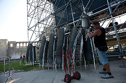 Melpignano LE, 24 Agosto 2011<br /> La Notte della Taranta: Working in prograss a Melpignano per l'allestimento del concertone finale