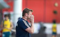 MELBOURNE - De Nederlander Marc Lammers  als coach van de Belgische mannen selectie aan hetwerk tegen Australie.