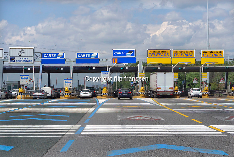 Italie, Italy, 15-5-2019 Tolstation op de snelweg autosnelweg. Foto: ANP/ Hollandse Hoogte/ Flip Franssen