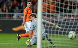 10-10-2014 NED: UEFA EK Kwalificatie Nederland - Kazachstan<br /> Robin van Persie scoort maar het doelpunt wordt afgekeurd