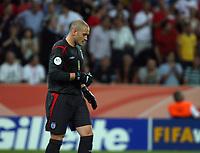 Photo: Chris Ratcliffe.<br /> Sweden v England. FIFA World Cup 2006. 20/06/2006.<br /> Paul Robinson of England.