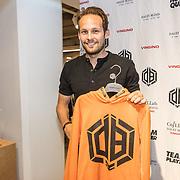 NLD/Haarlem/20190825 - Kledingpresentatie Daley Blind, Daley Blind showt 1 van zijn kledingstukken in samenwerking met Vingino