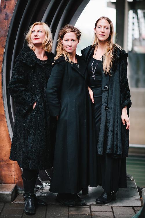 The Tornfelt Sisters - Annalisa, Kjirsten and Emily, photographed under the Morrison Bridge
