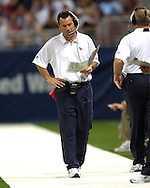 Houston head coach Gary Kubiak walks the sidelines in the second half against St. Louis at the Edward Jones Dome in St. Louis, Missouri, August 19, 2006.  The Texans beat the Rams 27-20.